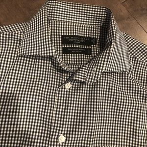Bloomingdales the Mens Store White/Black Button M